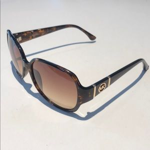 Michael Kors GRAYSON women's tortoise sunglasses